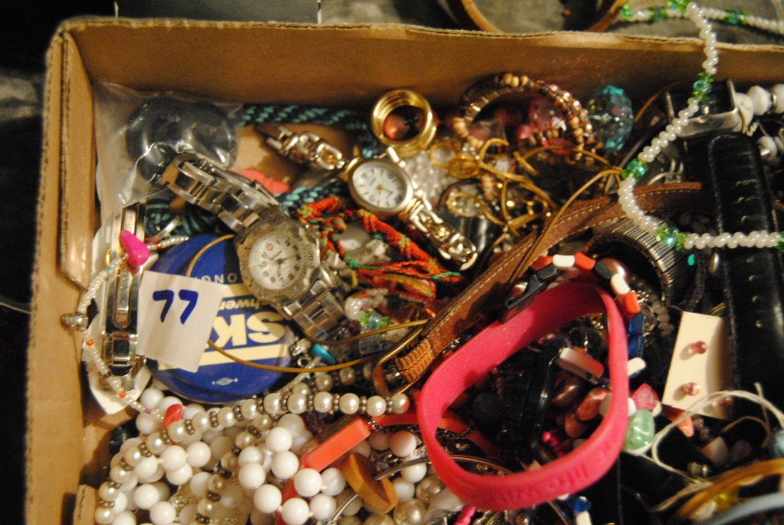 5LB ASSORTED UNSEARCHED JEWELRY WATCHES ETC. - 2
