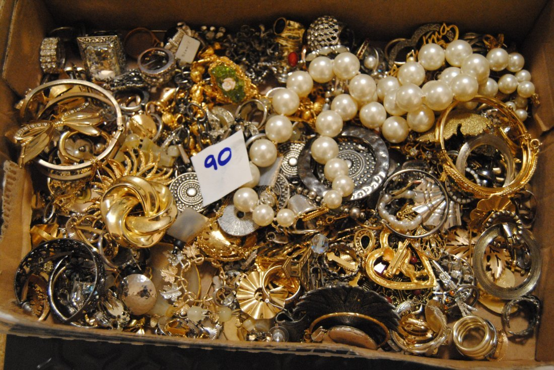 4LB HIGHER END UNSEARCHED TONE RINGS & OTHER JEWELRY