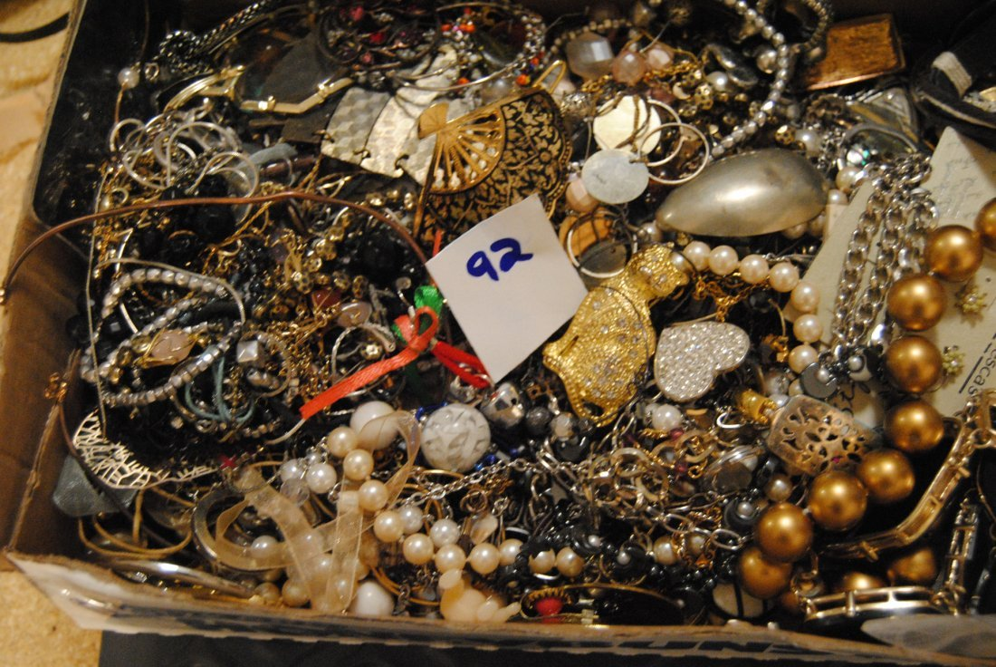 5LB UNSEARCHED JEWELRY LOT- TANGLED