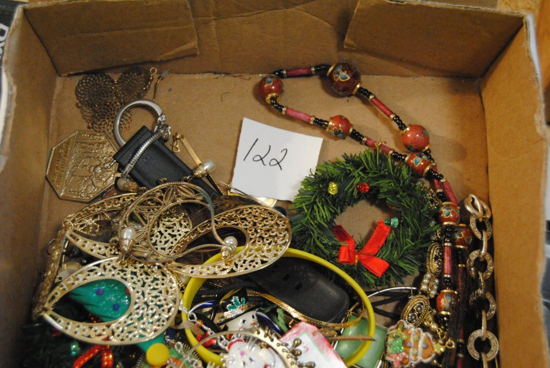 2LB UNSORTED UNSEARCHED JEWELRY - 2