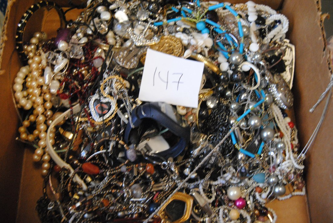 6LB UNSEARCHED UNSORTED JEWELRY