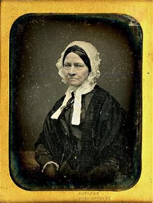 DAGUERREOTYPE. WOMAN WITH A BONNET, GLASSES, BY GURNEY.