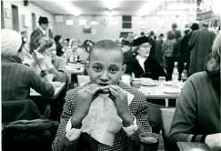 """Leonard Freed, """"Lunch in sandwich shop in New York"""