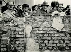 LEONARD FREED. West Berliners looking into E. Berlin