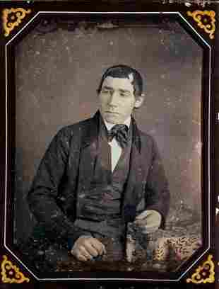 MAN LOOKS TO THE SIDE, � PLATE DAGUERREOTYPE BY ROOT