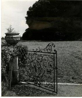 Bill Brandt, Composition In Highcliffe Castle
