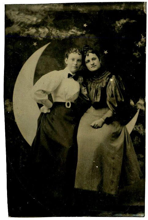 Friends or lovers on the moon. 2 - CDV size tintypes. - 2