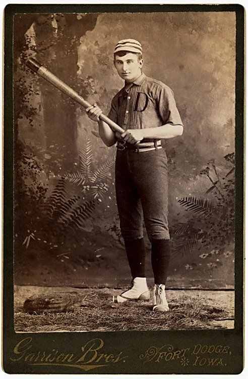 Baseball players. 3 cabinet cards.