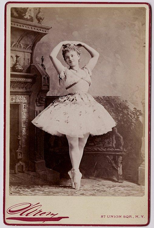 Helene Menzell in Bellet costume