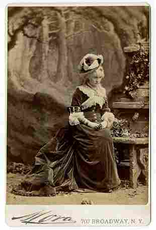 Theatrical performers. 20 cabinet cards by Jose Maria
