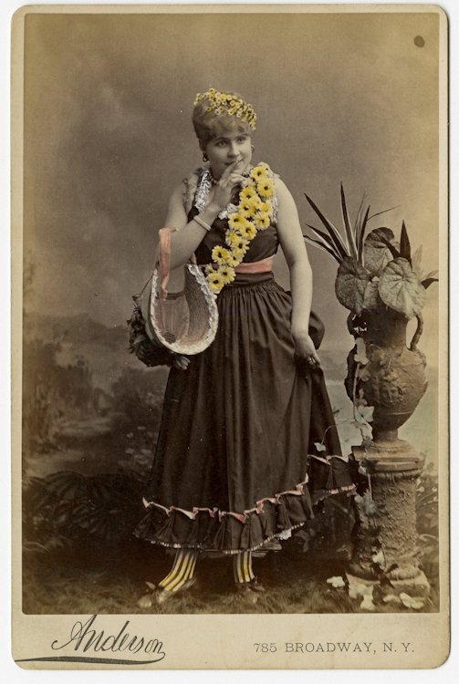 Potpourri of 52 theatrical cabinet card, various makers