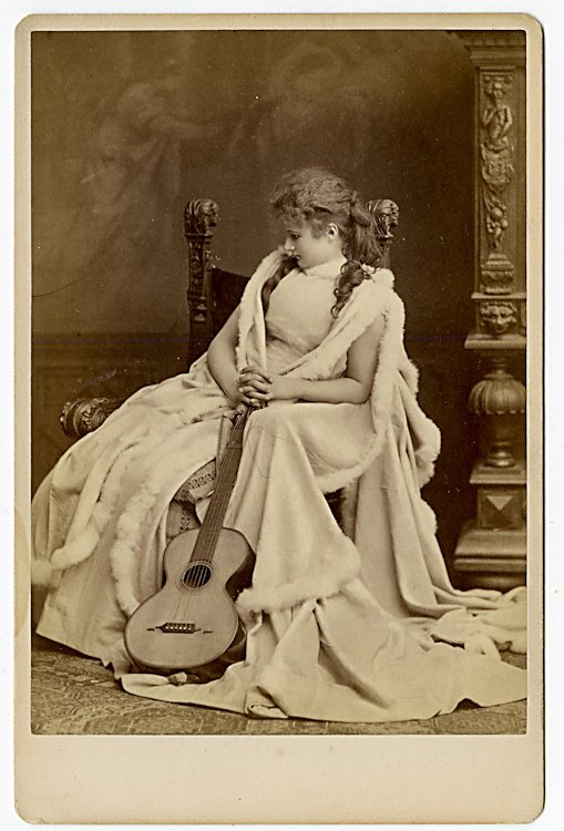 Potpourri of 52 theatrical cabinet card, various makers - 2