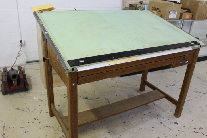 Exceptionnel Vintage Mayline Oak Four Post Drafting Table With Green