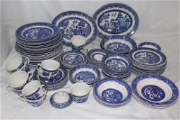 86 Pieces of Blue Willow Pattern China