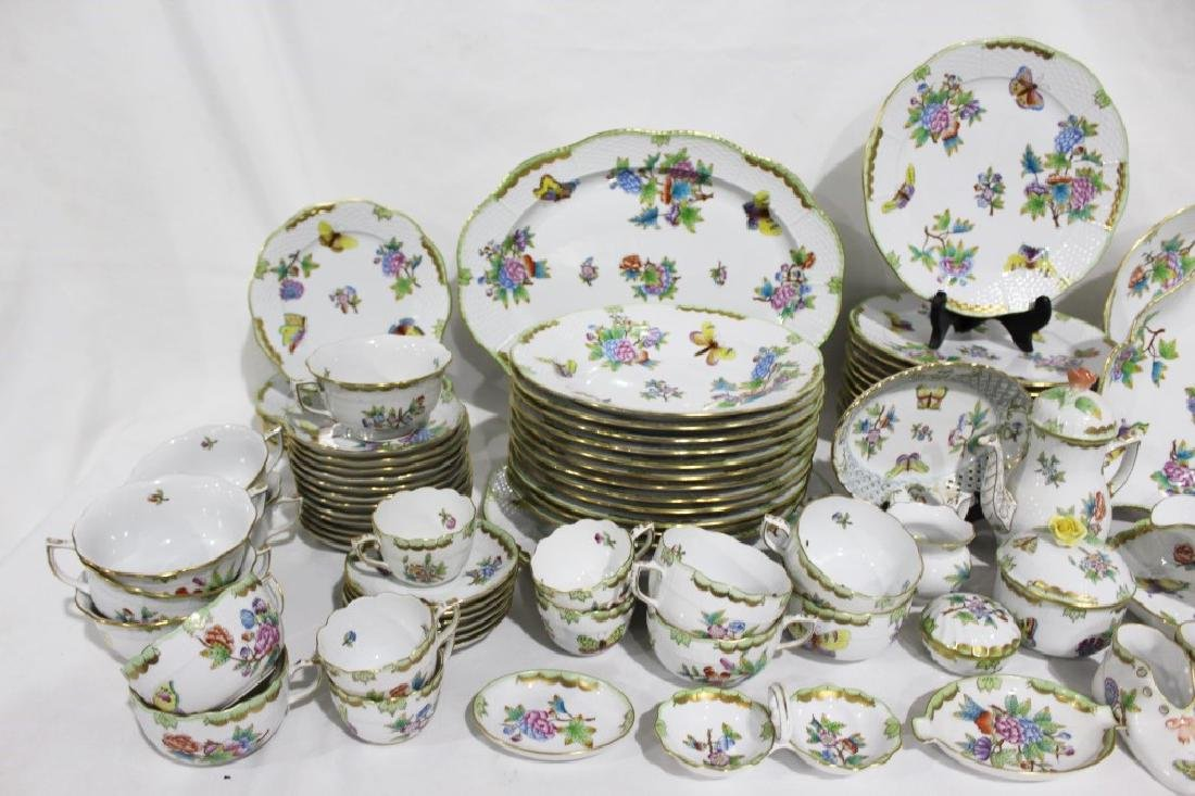 Set of 86 Herend Queen Victoria Pattern China - 4