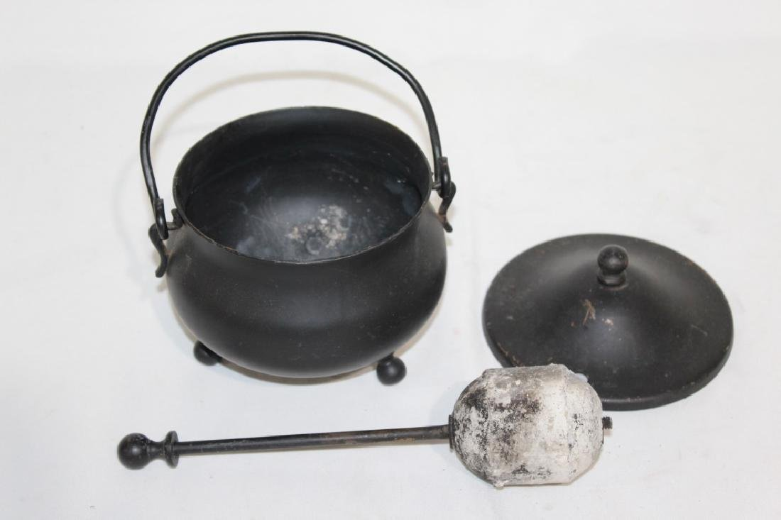 Primitve Butter Press & Iron pot - 3