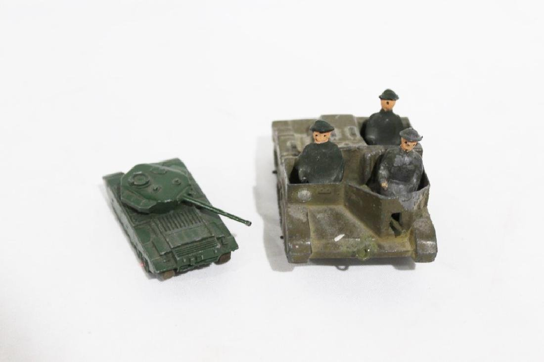 LTD Metal Tank & 3 Solders, Small metal tank - Lesney