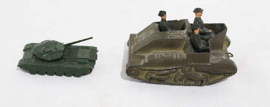 LTD Metal Tank & 3 Solders, Small metal tank - Lesney - 2