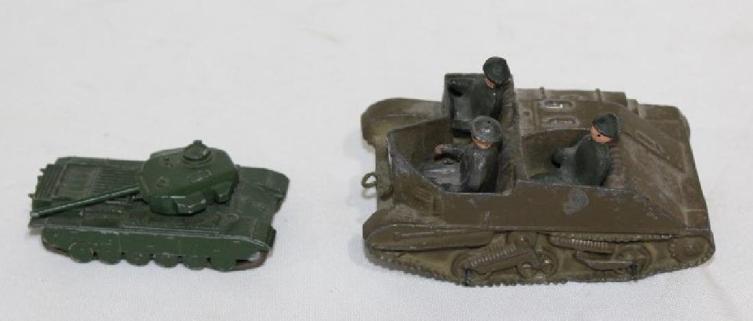LTD Metal Tank & 3 Solders, Small metal tank - Lesney - 4