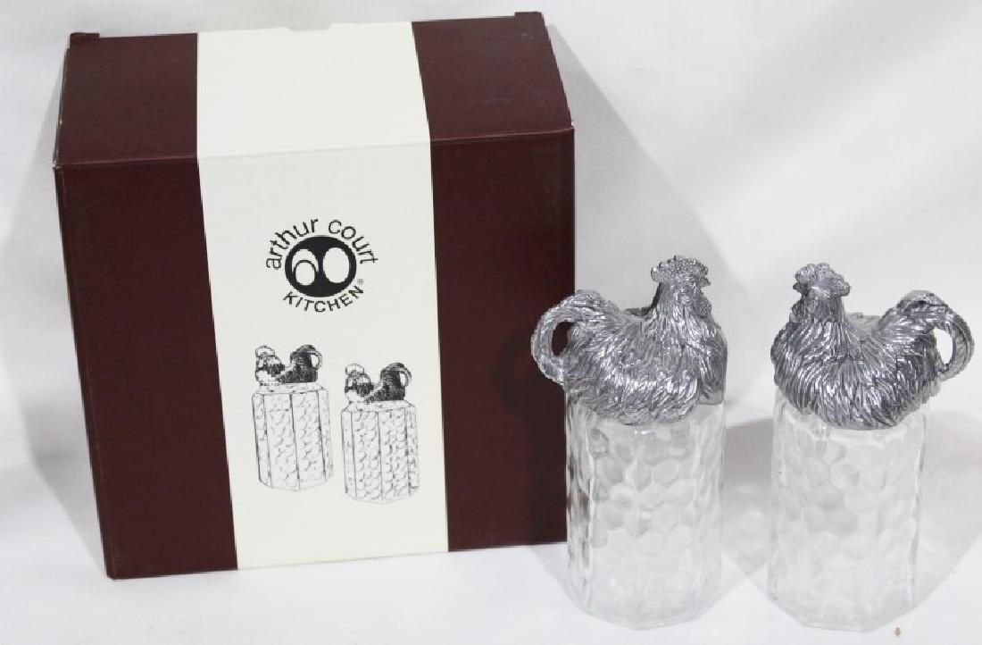 Arthurs Court Chicken Salt & Pepper Shakers