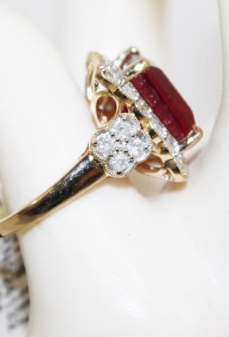 14 Kt Ruby & Diamond Ring - 8.98 ctw ruby ring - 2