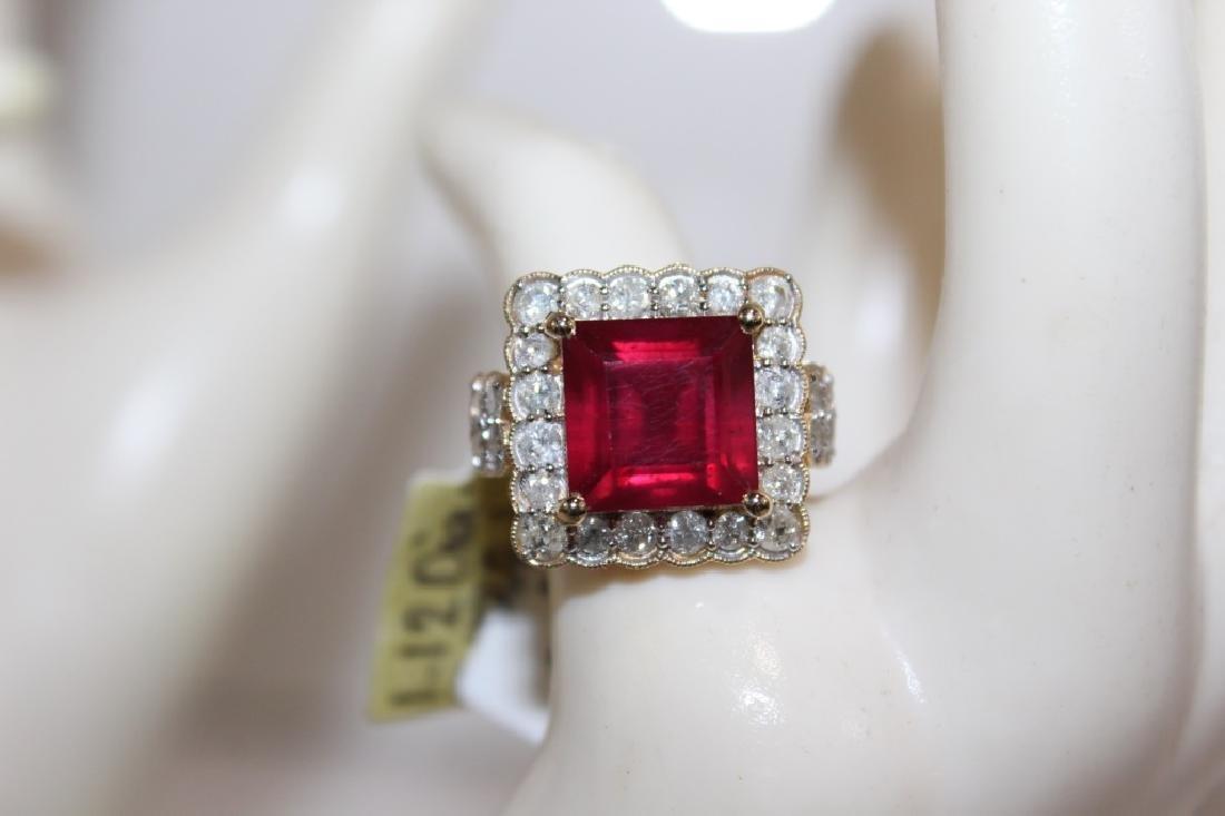 14 Kt Ruby & Diamond Ring - 8.98 ctw ruby ring - 3
