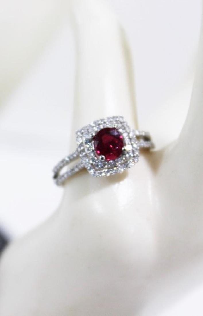 18 Kt White Gold Ruby & Diamond Ring - 1.03 ct Ruby,