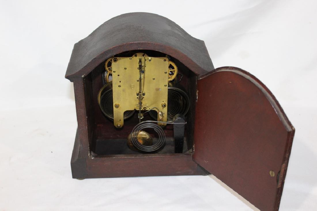Antique Mahogany Seth Thomas Mantle Clock with Key - 3