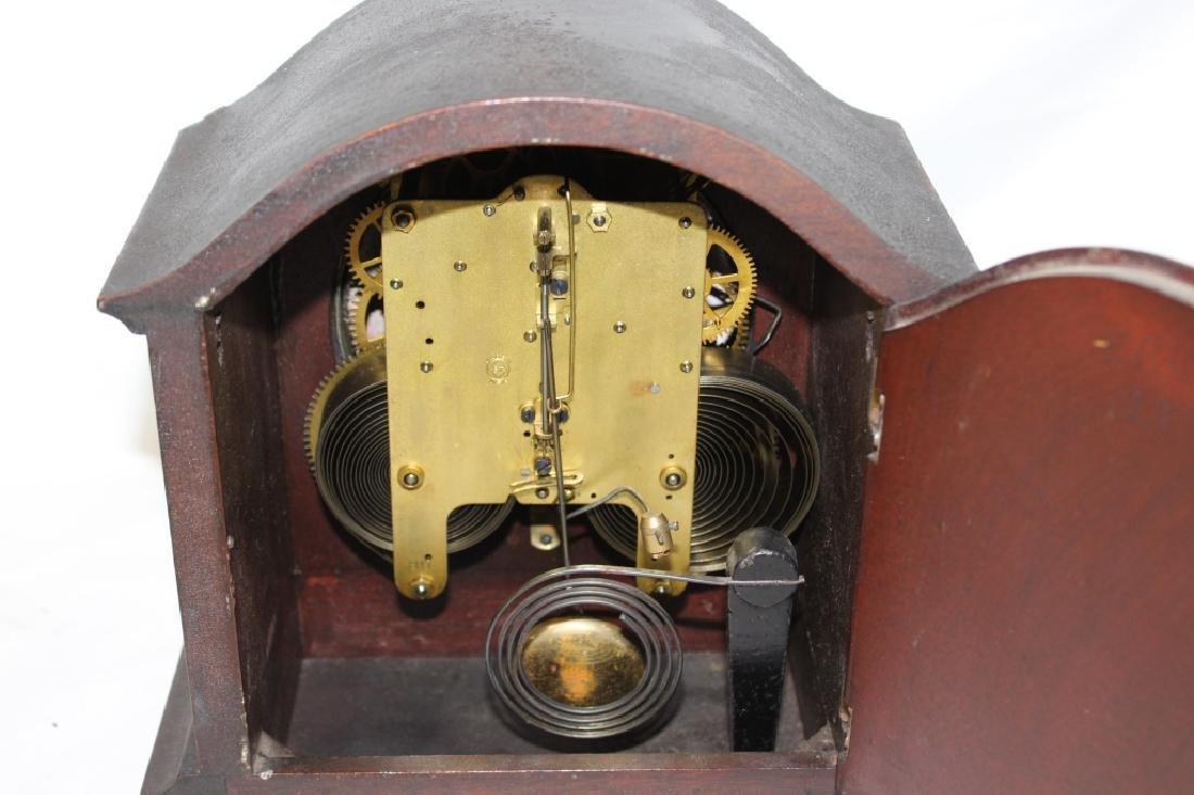 Antique Mahogany Seth Thomas Mantle Clock with Key - 4
