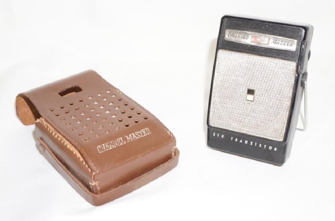 Vintage Channel Master Radio w/ Case
