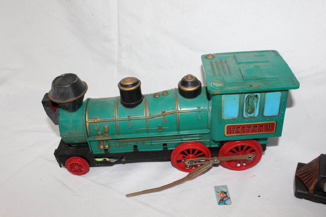 VTG Toy Train Lot & Train Bookends - 4