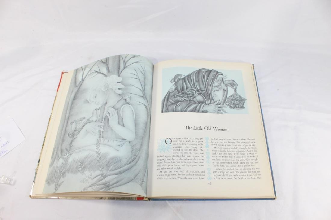 1961 The Snow Queen and Other Tales Deluxe Golden Book - 4