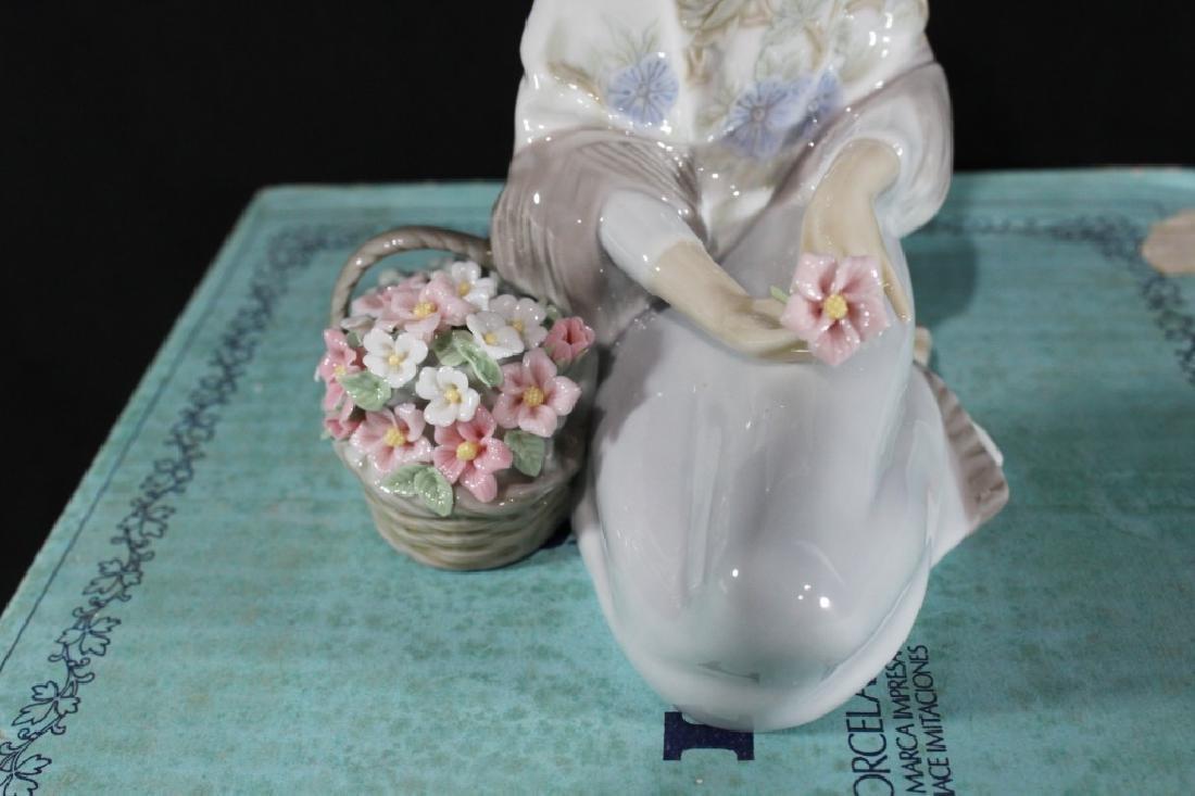 Lladro Flower Song w/ Box - 3