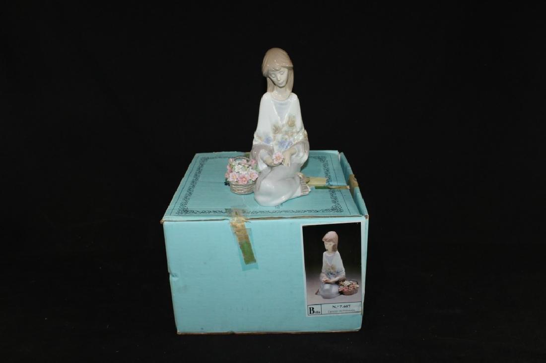 Lladro Flower Song w/ Box