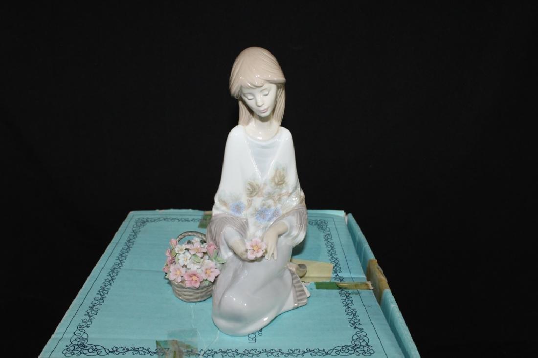 Lladro Flower Song w/ Box - 2