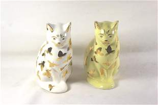 2 CAT FIGURINES WITH GOLD COLORED LEAF PATTERN