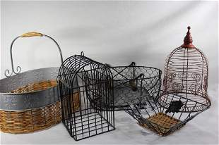 LOT OF METAL/WIRE BASKETS