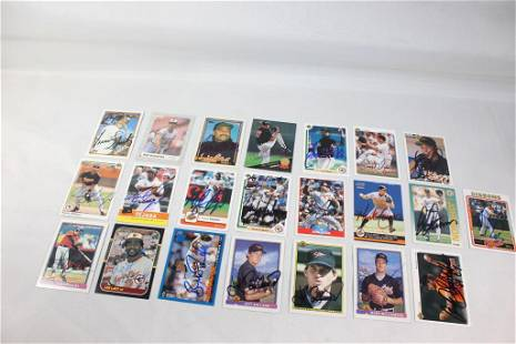 22 SIGNED BALTIMORE ORIOLES BASEBALL CARDS