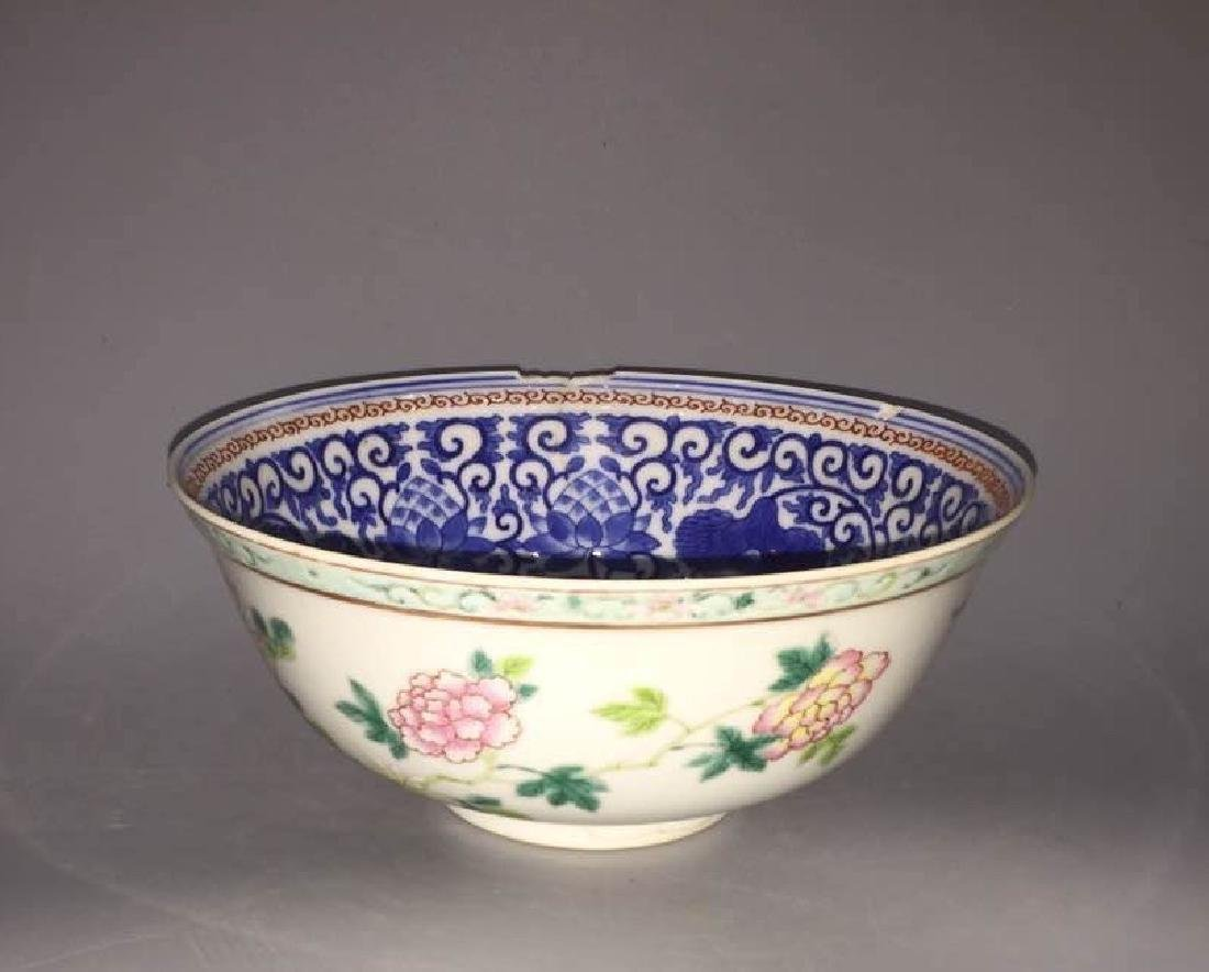 GUANGXU MARK.QING D.,A BLUE AND WHITE FAMILLE ROSE BOWL