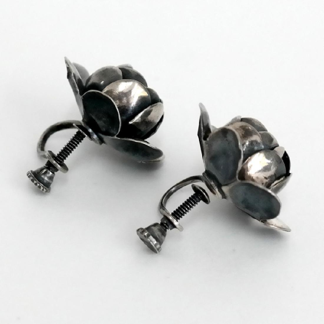 Vintage oxidised sterling silver rose shape ear clips - 2