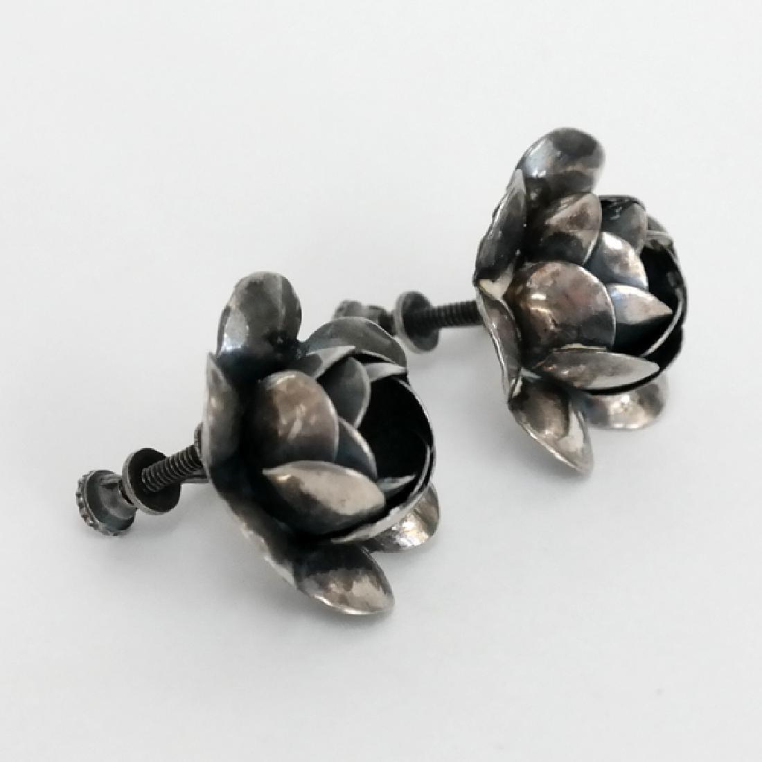 Vintage oxidised sterling silver rose shape ear clips - 3