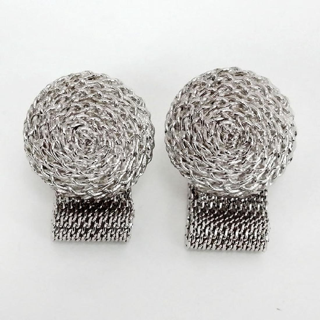 Silver tone round with flat mesh from side cufflinks