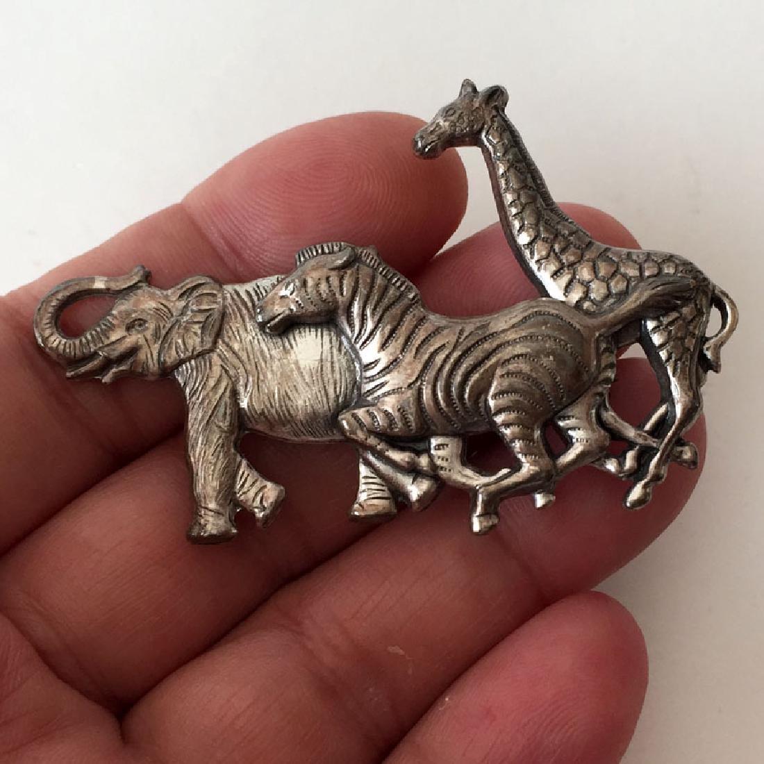 Silver tone very detailed SAFARI ANIMALS shaped brooch