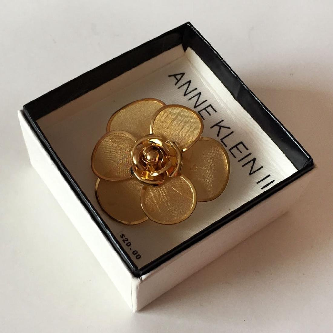ANNE KLEIN II: Gold plated mesh petals ROSE shaped
