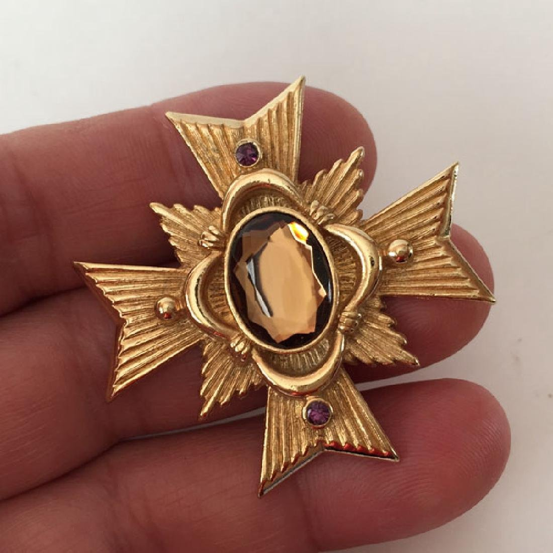AVON: Gold plated textured CROSS shaped medal / brooch