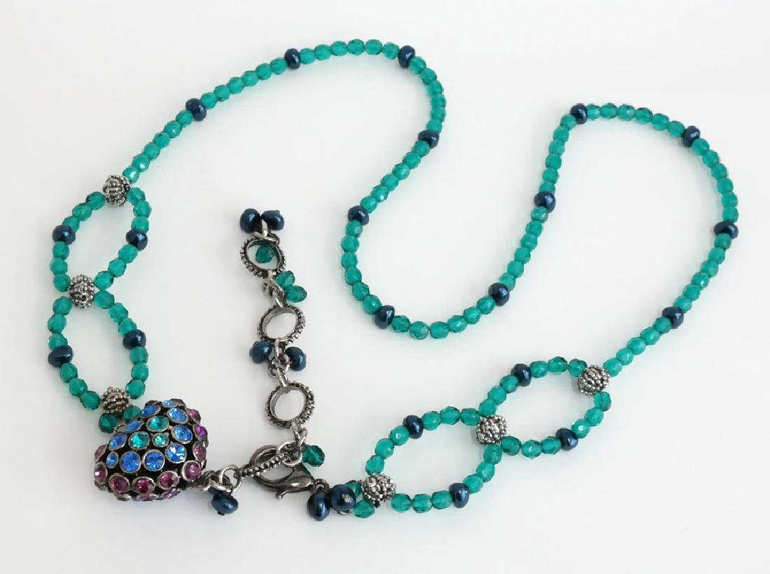 Teal color faceted and black faux pearl beads necklace