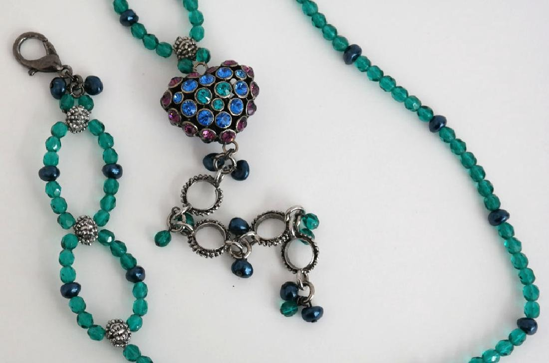 Teal color faceted and black faux pearl beads necklace - 4