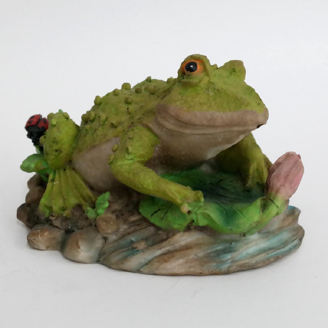 Vintage FROG TOAD WITH LADYBUG statue figurine - 5