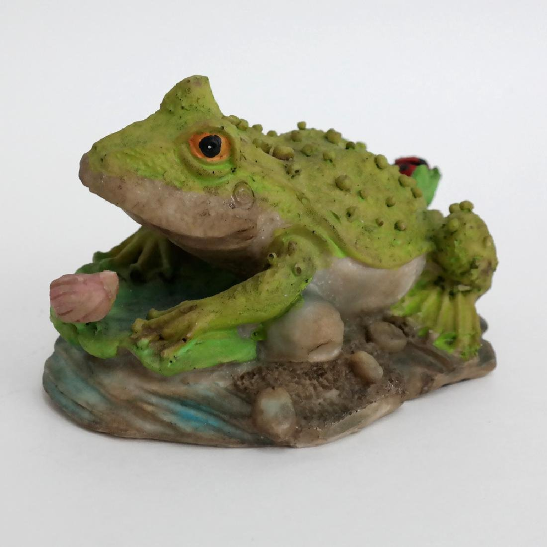 Vintage FROG TOAD WITH LADYBUG statue figurine