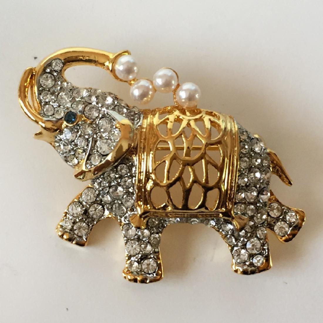 Gold plated ELEPHANT shaped brooch with white - 3